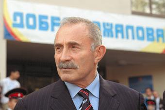 Генерал Асламбек Аслаханов