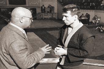 """""""На втором курсе института я пришел на тренировку к Анатолию Аркадьевичу Харлампиеву и понял, что самбо - это мой вид спорта. Именно единоборство. Для меня главное - в открытом честном бою решить: кто кого"""""""