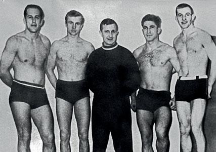 Слева направо: Г. Шульц, О. Степанов, Е. Чумаков, А. Клубничкин, А. Лукичев