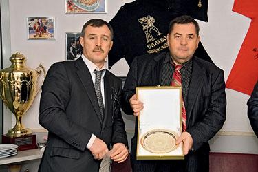 Слева направо: Президент белорусской федерации самбо Владимир Япринцев и президент ФИАС Василий Шестаков