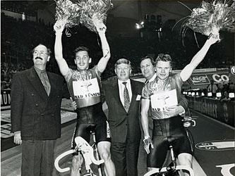 На 27-й шестидневке по велоспорту с К. Храбцовым, М. Ганеевым, Г. Гейнером. Мюнхен.