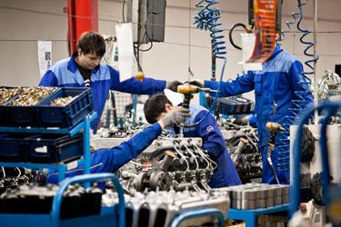 Конвейер сборки двигателей